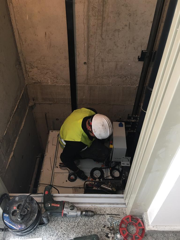 Instalación de ascensor en obra nueva - La Garriga